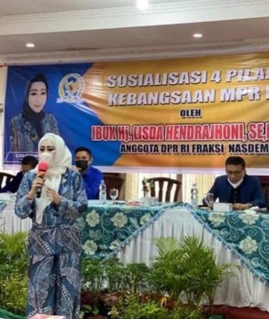 4 Pilar Kebangsaan MPR RI Lisda Hendrajoni Gelar Sosialisai di Padang panjang.