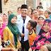 Wakil Bupati Karawang Kunjungi Warganya yang Tersengat Listrik Hingga Kedua Tangannya Hilang