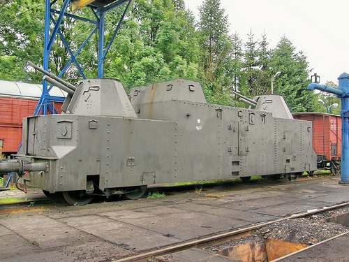 German armored train worldwartwo.filminspector.com
