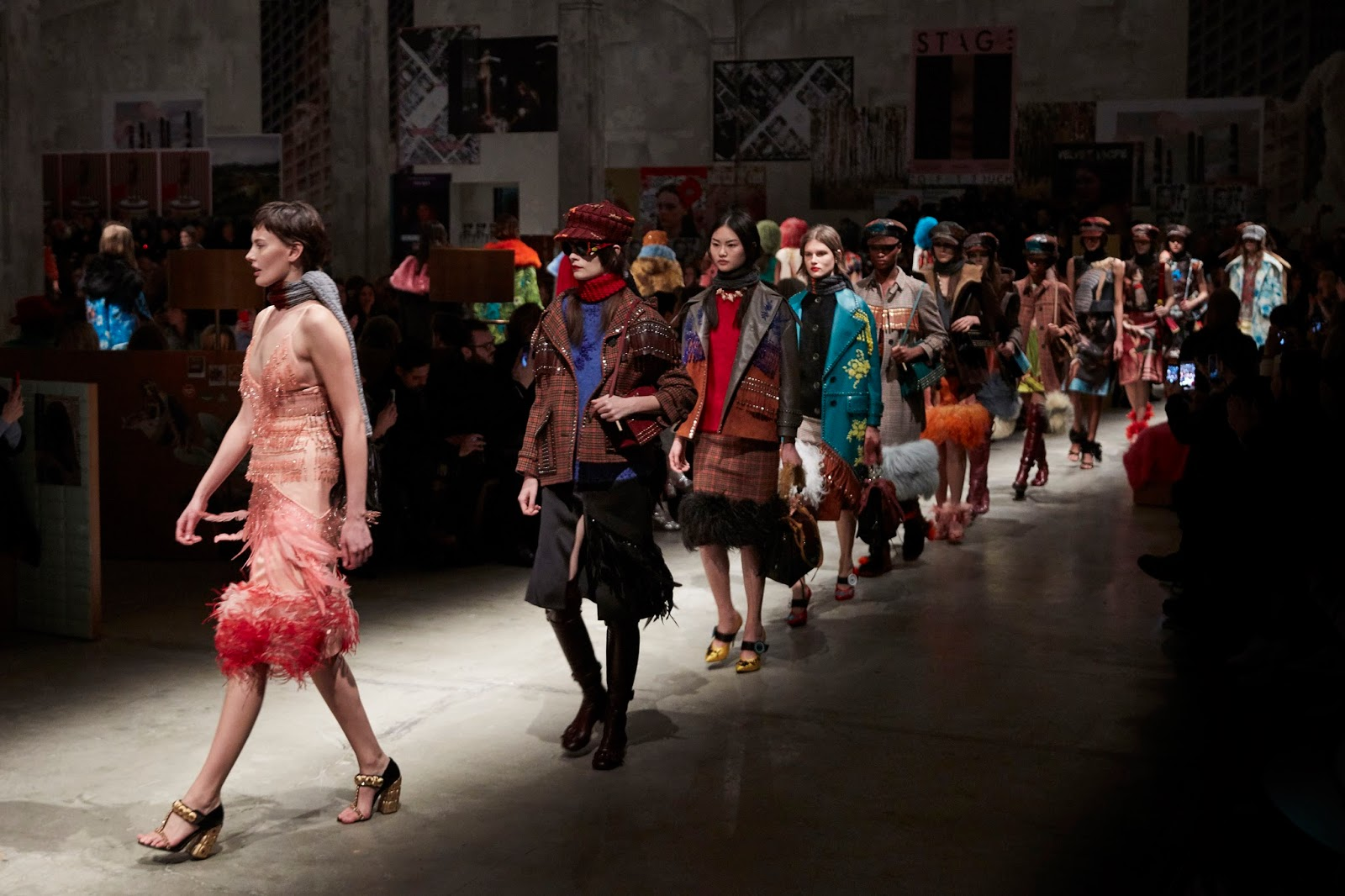 #MFW: Prada FW17 Runway and Bags Report