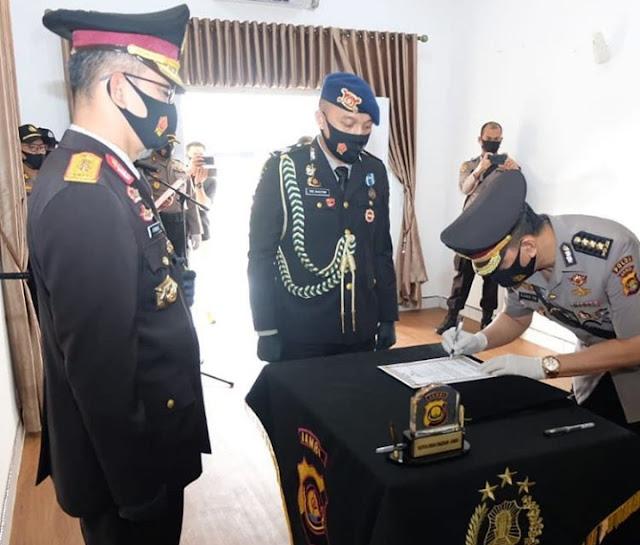 Kapolda Jambi Pimpin Upacara Penyerahan Jabatan Kabid Keu dan Kapolres Tebo