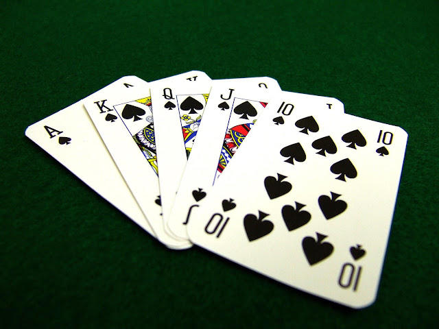 poker - an online card games that many people are interested in