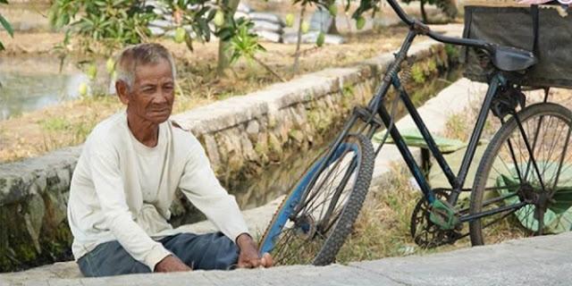 Jajakan Ikan Asin dari Kampung ke Kampung, Abah Sering Tahan Lapar Jika Dagangannya Tak Laku