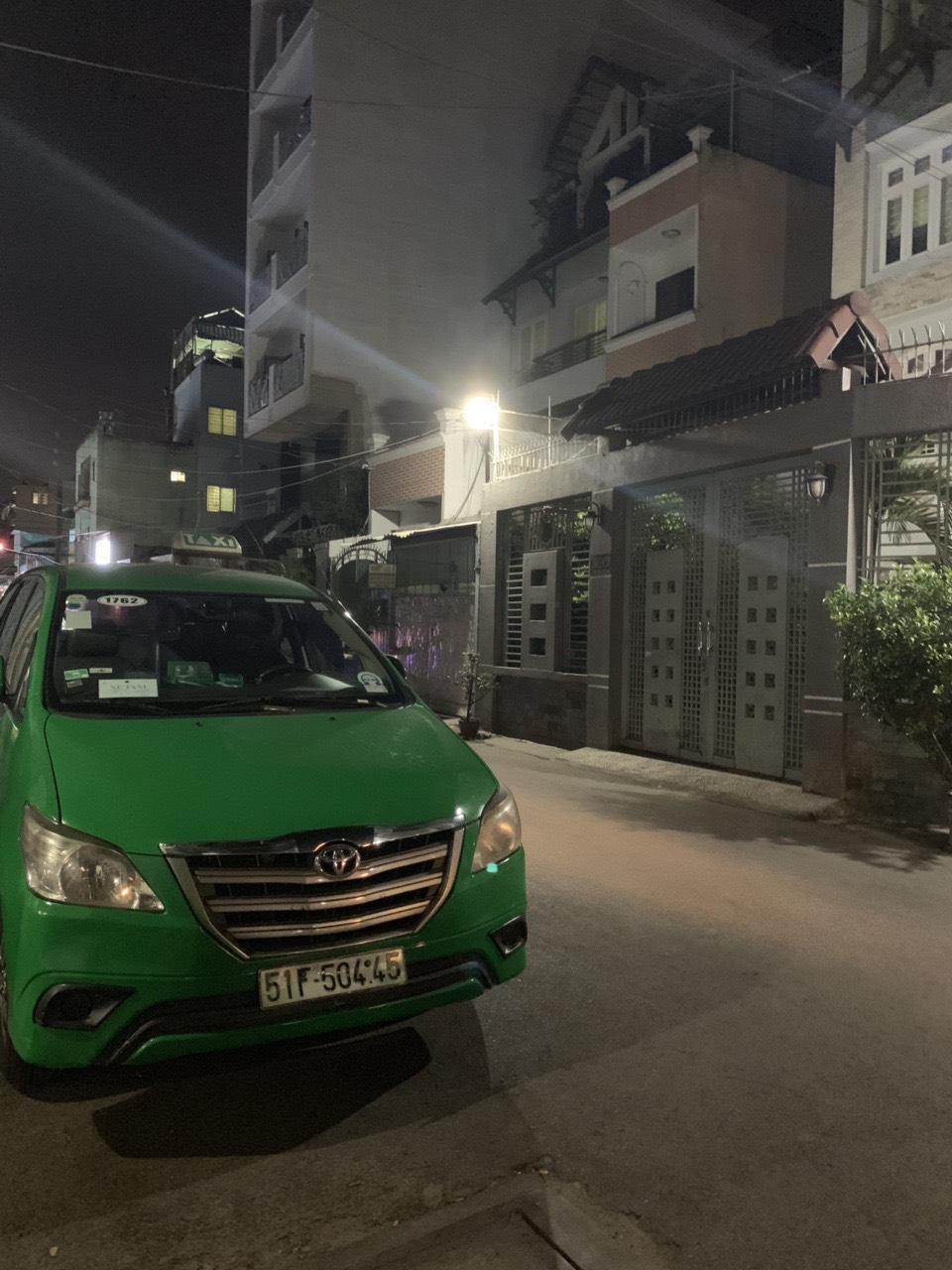 Bán nhà mới xây Hẻm xe hơi đường Tô Hiến Thành Quận 10 giá rẻ