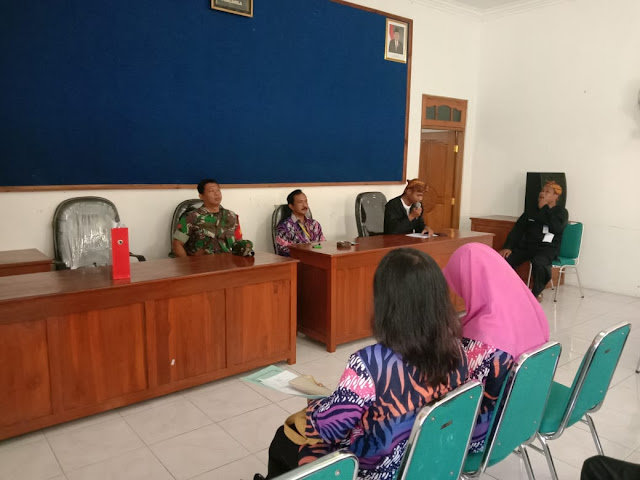 KodimKaranganyar - Babinsa Kedung Jeruk Hadiri Penyerahan Sertifikat Dari ATR-BPN Kabupaten Karanganyar
