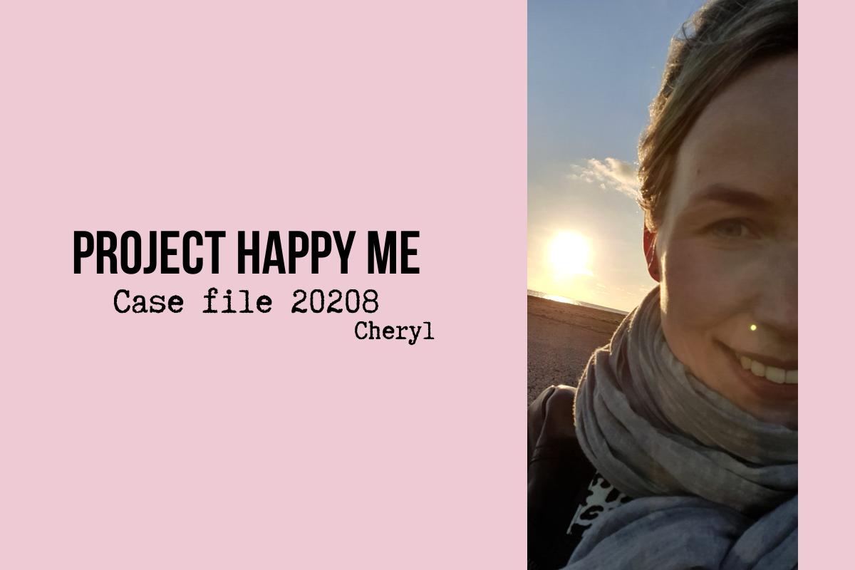 Roze achtergrond, project happy me logo en afbeelding van Cheryl