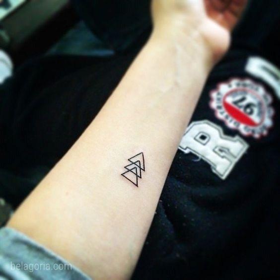 Los Tatuajes De Triangulos Glifos Y Su Mensaje Oculto Belagoria