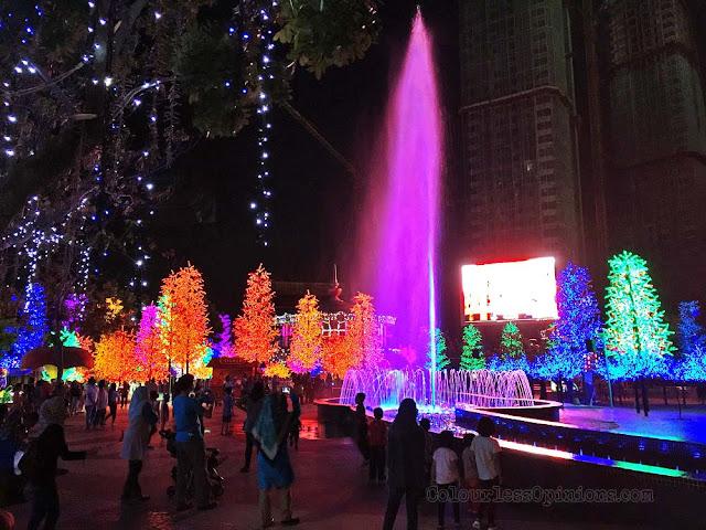 water dance i city of digital lights