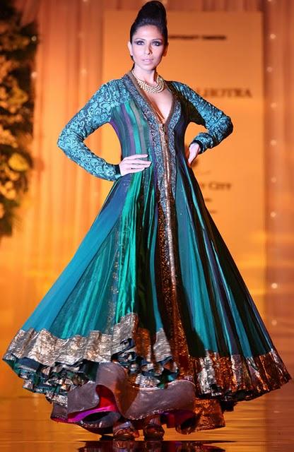 Indian Designer Manish Malhotra Dresses Fashionguru99