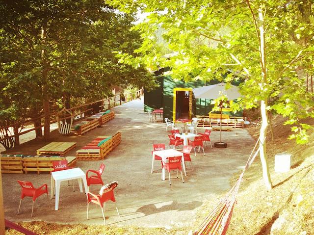 Bar/Café Kayashanti Café com esplanada