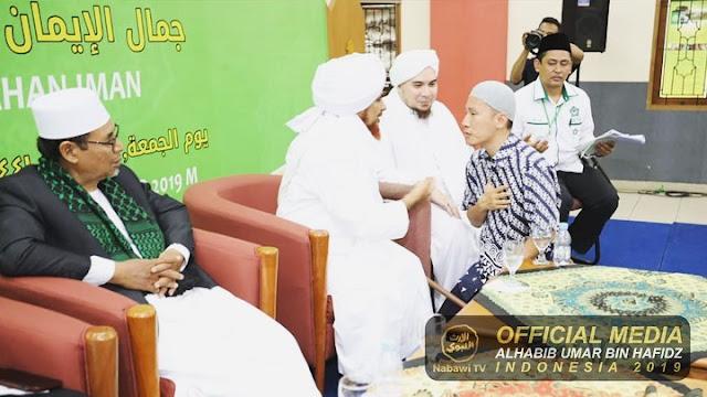 Ustadz Felix Memohon Hiburan ke Habib Umar bin Hafidz