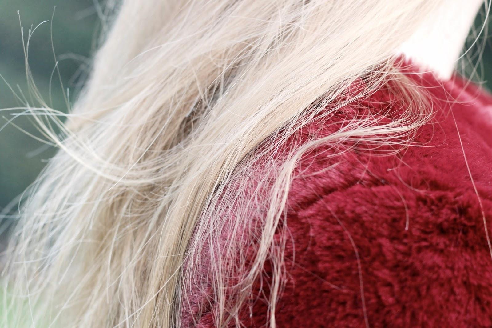 Lost Ink Cropped Fur Jacket Burgundy red