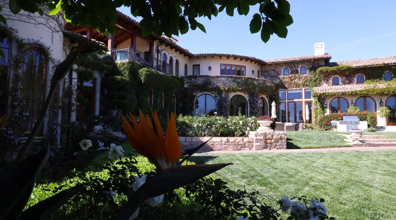 29 Interior Design Photos vs. Sugar Ray Leonard's Home Tour 1550 Amalfi Dr, Pacific Palisades, CA