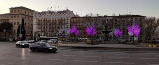 Decoración navideña de Madrid. Plaza del Emperador Carlos V.