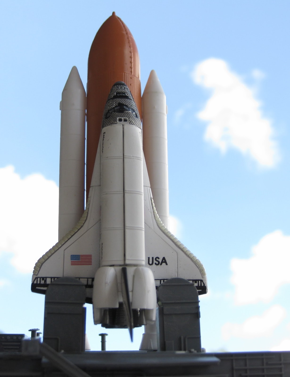 1:450 Space Shuttle Enterprise with boosters and launching ...