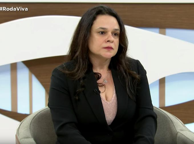 Flavio Bolsonaro cometeu peculato 'ao que tudo indica', diz Janaina Paschoal