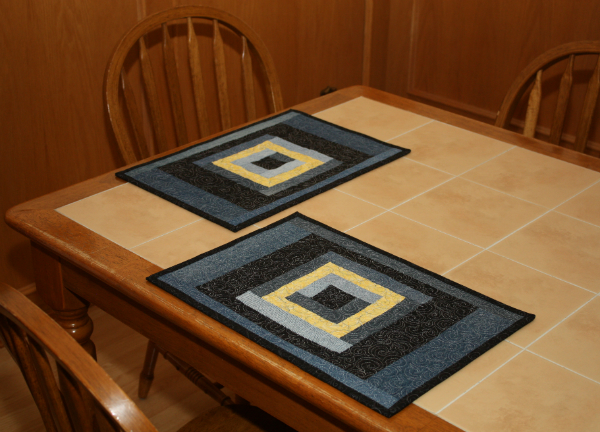 Denim Log Cabin Placemats | DevotedQuilter.blogspot.com