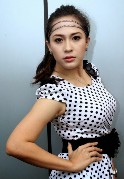 Image Result For Nabila Gomes Seksi Foto Dangdut Indonesia