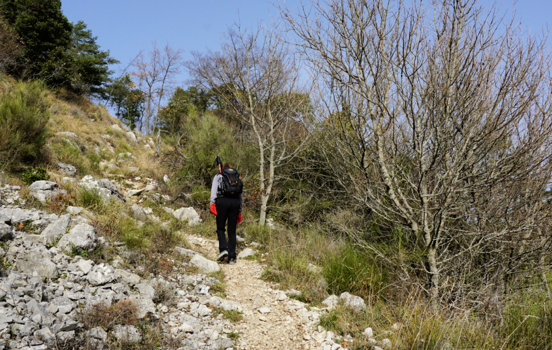 Climbing to Pas de la Piastre