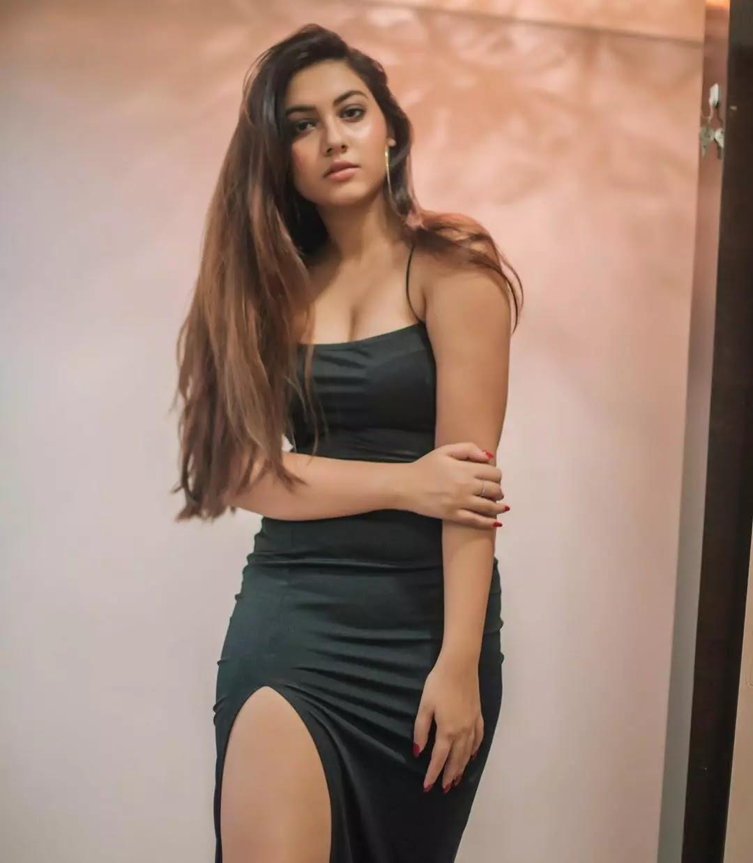 reem shaikh in hot dress