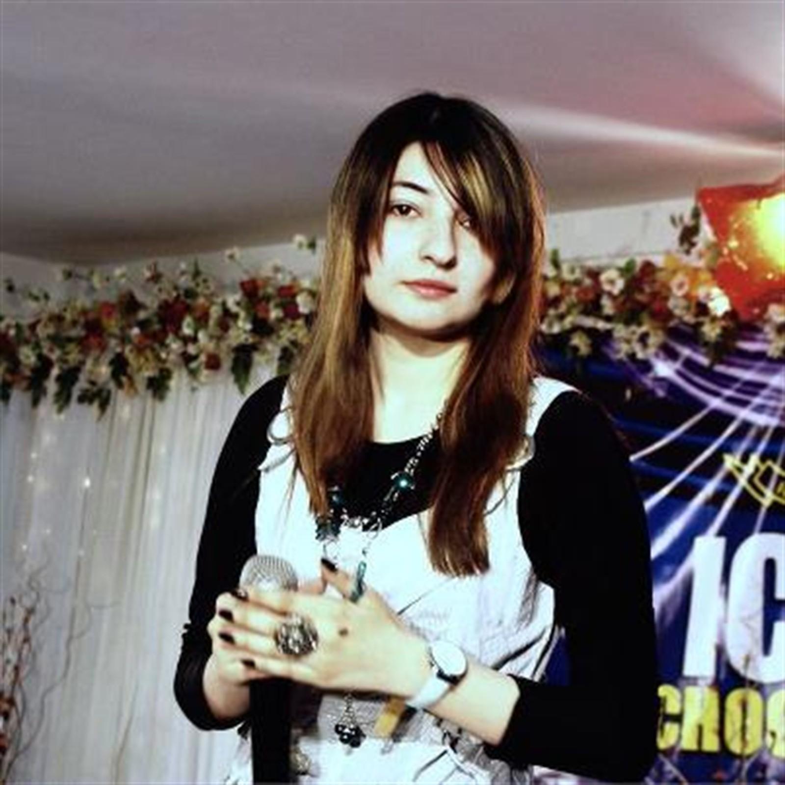 Pashto Singer Gul Panra New Wallpapers