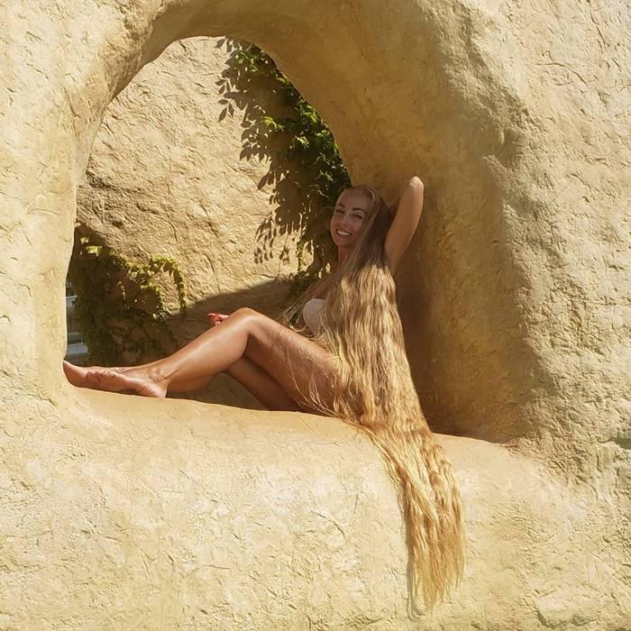Ukrainian Rapunzel, longest blonde hair in the world