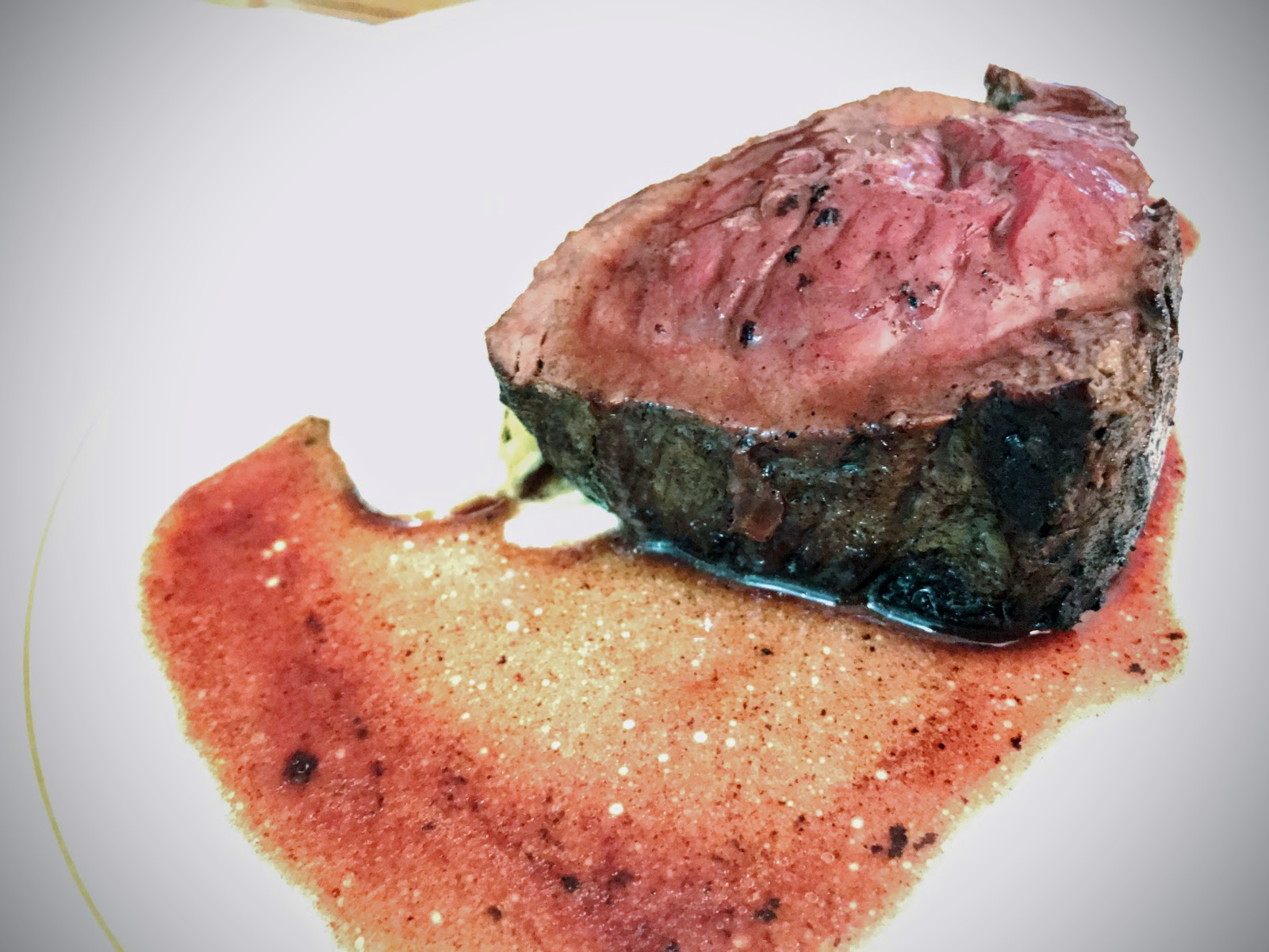 Roasted Beef Tenderloin, Red Wine Vanilla Sauce, Creamy Gnocchi 紅酒烤菲力牛排