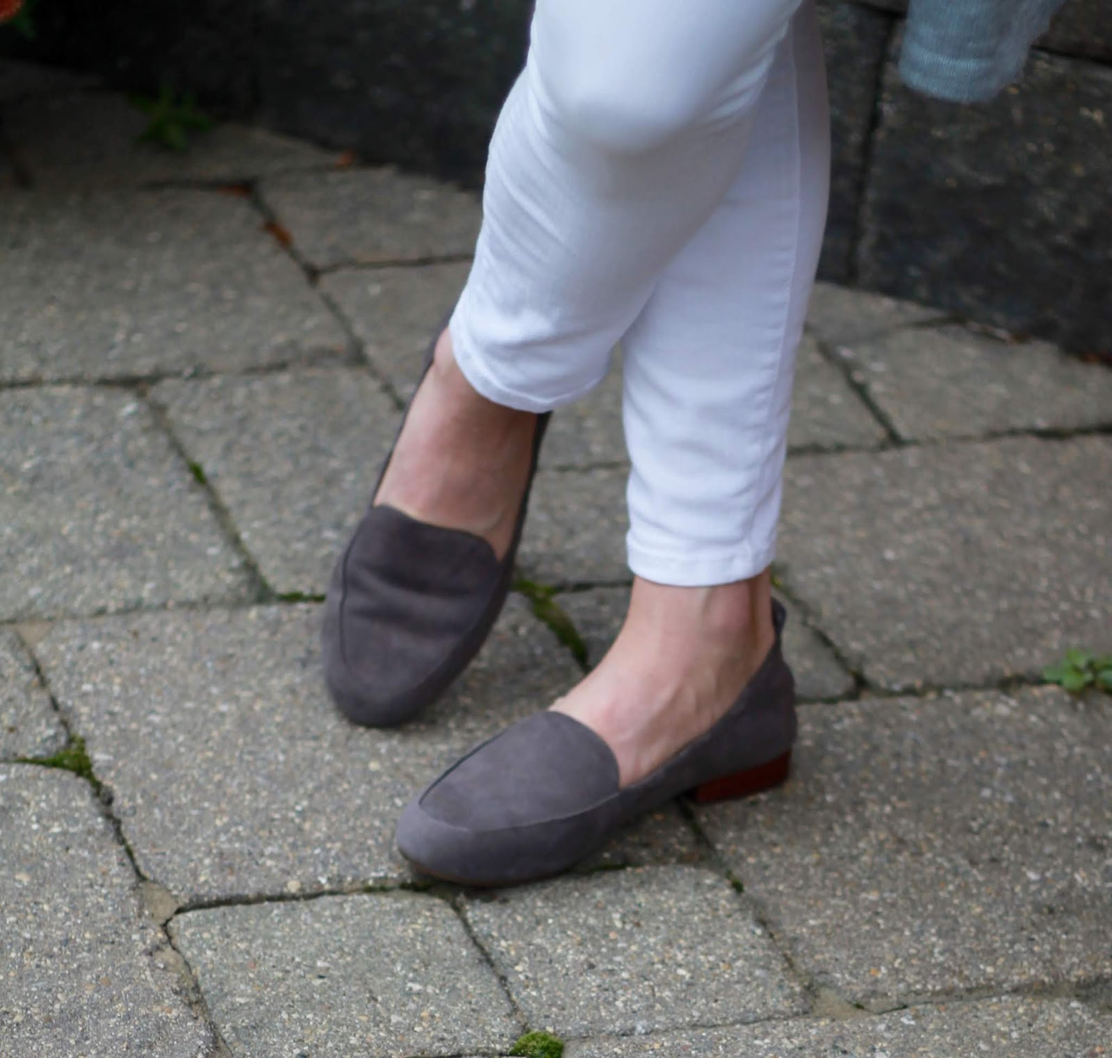 blush top, blush grey striped cardigan, white denim, grey saddlebag, grey loafers