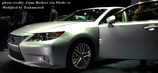 2013 Lexus ES at the New York International Auto Show