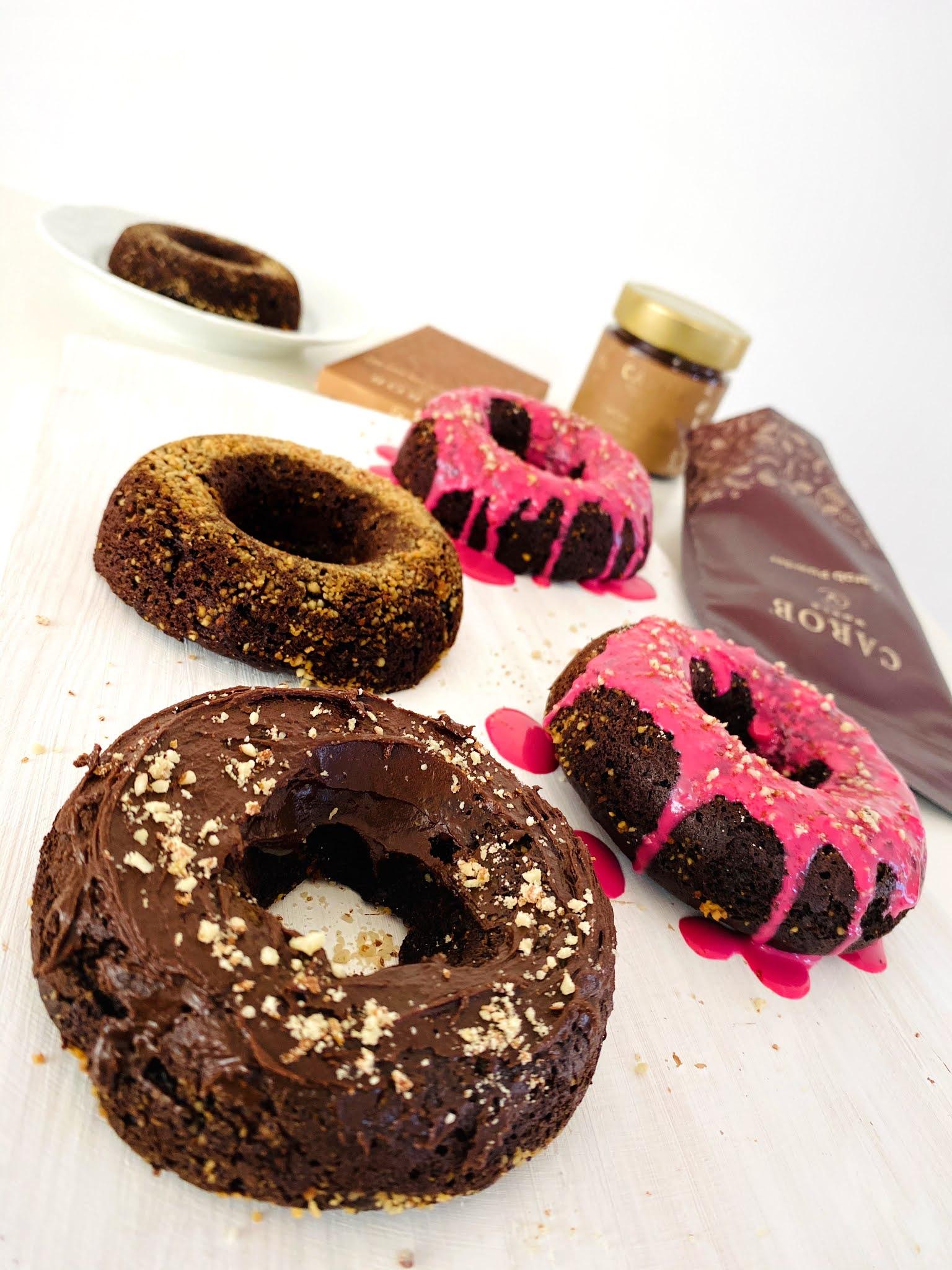 Donuts de alfarroba e amêndoa