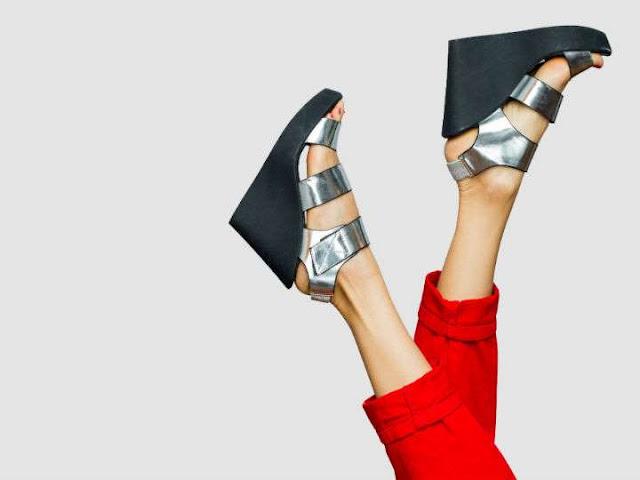 Ten mucho cuidado si usas zapatos de plataforma