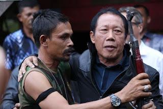 Sutiyoso juga menyampaikan usulan pemberian amnesti kepada Nurdin Ismail alias din minimi dan pengikutnya dalam wawancara khusus Sutiyoso mengaku tidak bisa mengintervensi kebijakan kepolisian ia masih menunggu keputusan amnesti dari Presiden