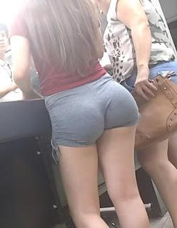 Chava nalgona shorts licra ajustada