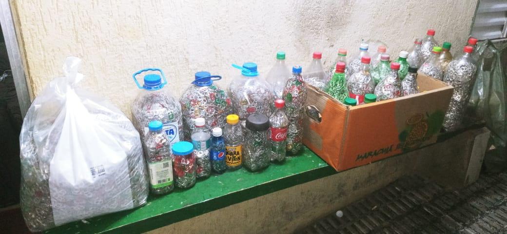 Recebemos do GUAPA na sede do Seja Hoje Diferente um lote de Lacres de Latas de alumínios para o Heróis dos Lacres