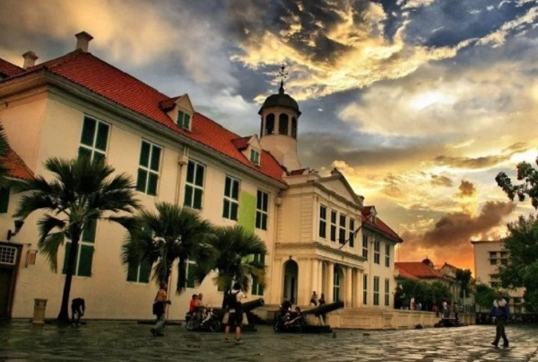 7 Lokasi Foto Paling Unik di Jakarta