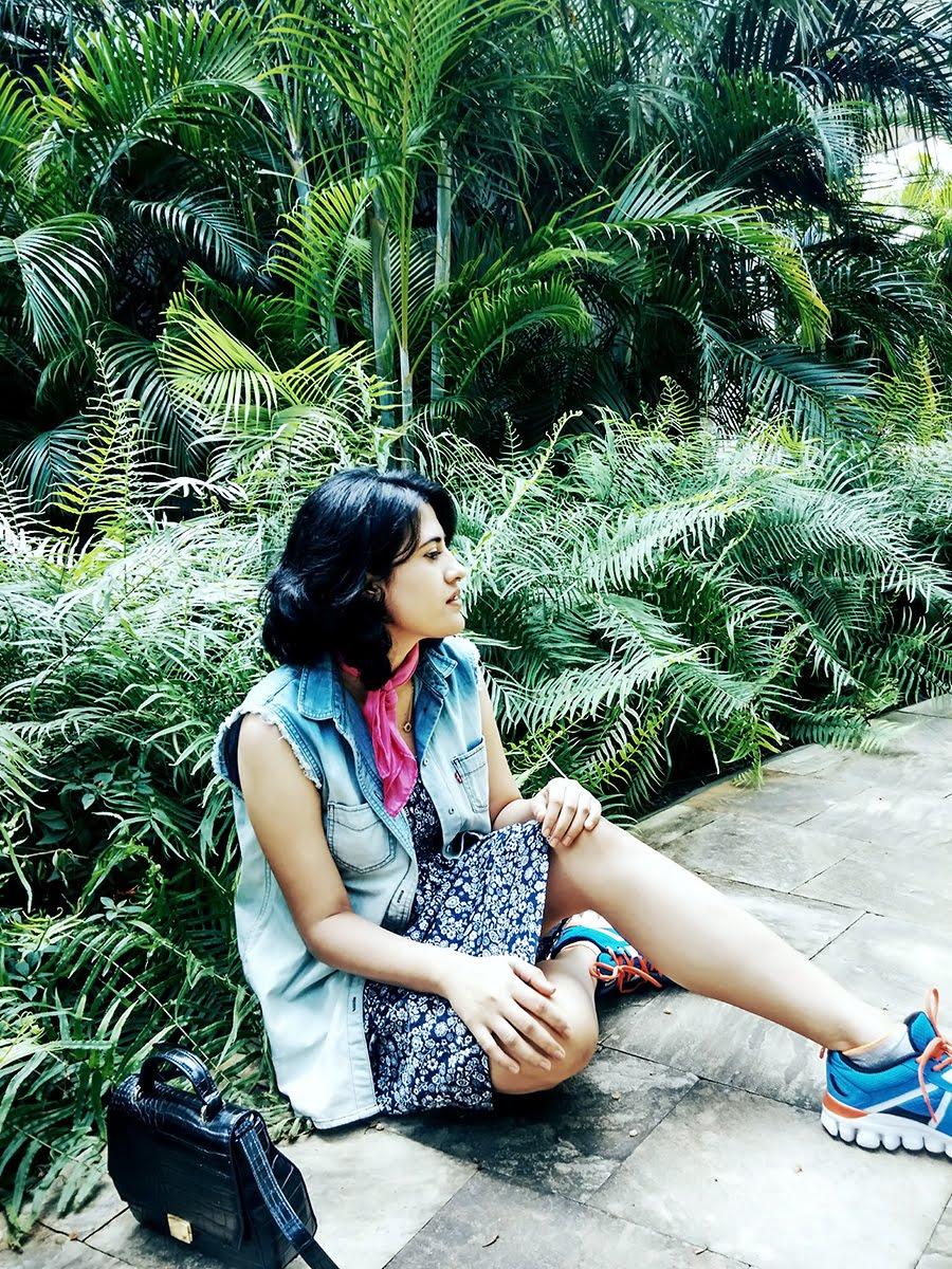 blue dress,levi's denim jacket ,pink scarf, reebok shoes ,style panorama