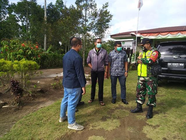 Tegur Warga Binaan Tidak Pakai Masker Dilakukan Personel Jajaran kodim 0207/Simalungun Diwilayah Binaan
