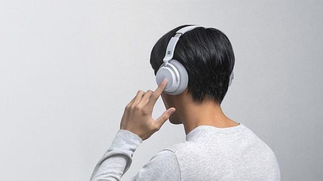 Perangkat Keras Headshet atau Headphone