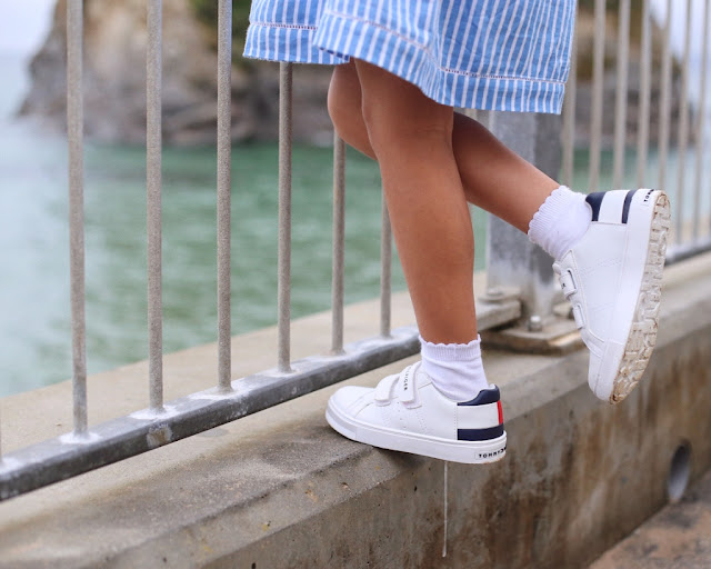 childrensalon, tommy hilfiger, family look for holiday, seaside clothes, stripy dress, white trainers