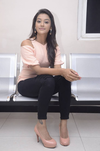 Pooja Jhaveri Latest Hot Glamourous Spicy PhotoShoot Images At Dwaraka Movie First Look Launch