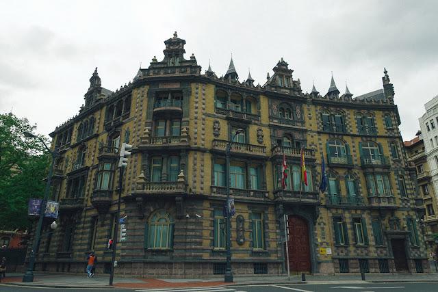 チャバリ宮殿(Palacio Chavarri)