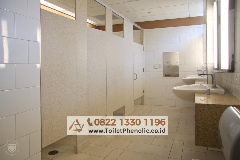 Toilet Cubicle Palu (Partisi Kamar Mandi Phenolic) Murah