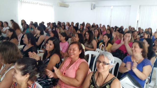 Desafios da mulher moderna são discutidos em evento do CEREST