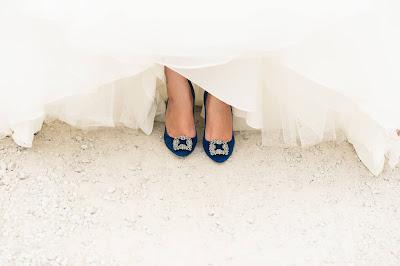 Zapatos de novia con broche de cristales