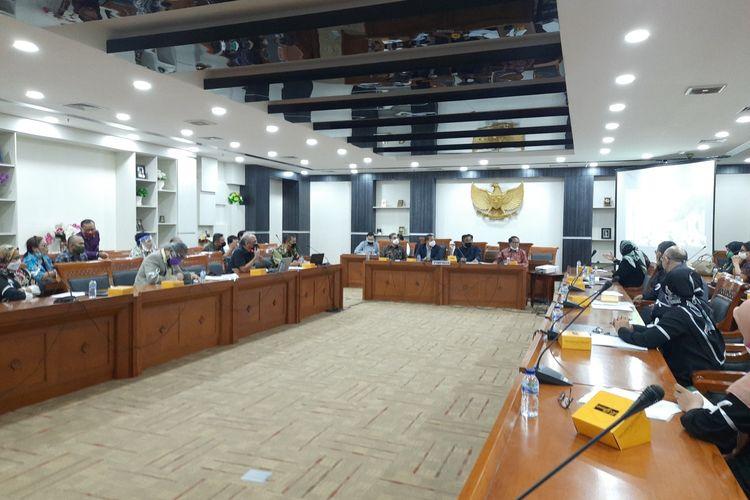 Masalah PPDB DKI Dibawa ke DPR, Anies Pun Dinilai Menambah Beban Warga