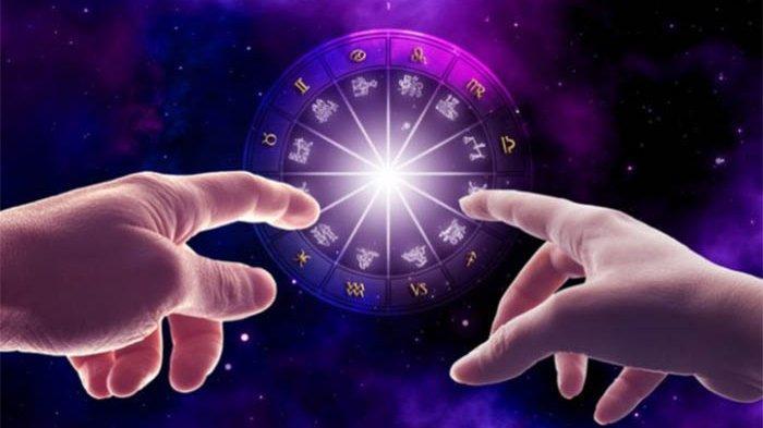Kamu Percaya Ramalan Zodiak? Ini Dia 8 Alasan Mengapa Orang Percaya Ramalan Zodiak!