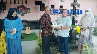 FPL Pasbar Rilis Buku Antologi Puisi 'Indonesia Sakti, Pusaka Kusayang' Karya 75 Pelajar se-Pasaman Barat