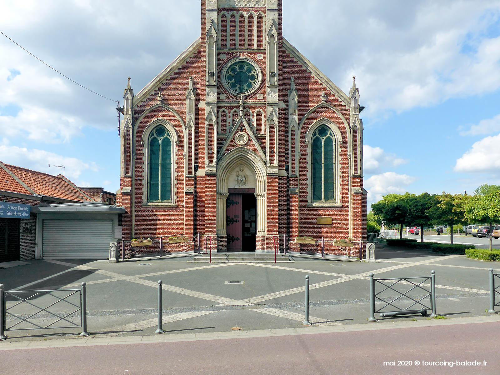 Parvis de l'église Sainte Rita de Vendeville - 2020