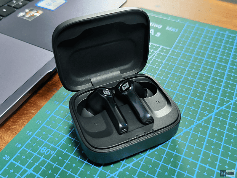 MOMAX Spark True Wireless Bluetooth Earbuds with Clear Voice Capture and Wireless Charging now in PH
