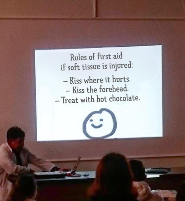 16 Inspiring Photos Prove That Teachers Can Have A Great Sense Of Humor - Here is what students learn at the faculty of medicine.